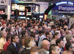 5 Ways to Attract a Crowd at a Trade Show